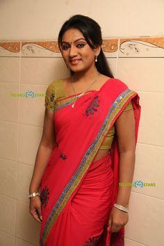 Grace Beauty, Actress Pics, India Beauty, Indian Sarees, Asian Woman, Beautiful Women, Glamour, Bride, Silk