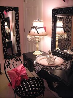 Pink and black, great mirror, lamp, chair and pillow