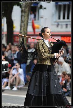Grande Parade des Nations Celtes.Escoles de Gaitas de Ortigueira (Galice)