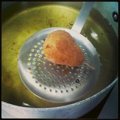 Pure de papa en forma de pera frito