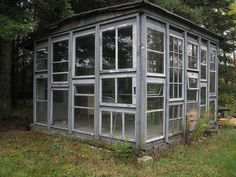 All windows - this would make an amazing greenhouse!