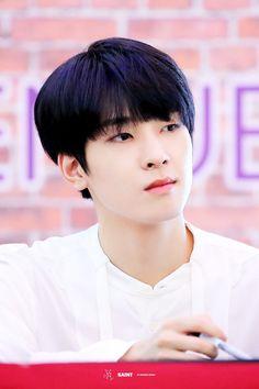 180917 The Saem fansign in Jakarta 💘 Seventeen Wonwoo, Seventeen Debut, Woozi, Jeonghan, Rapper, Hip Hop, Boo Seungkwan, Choi Hansol, Joshua Hong