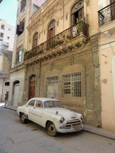 Een #oldskool auto, mooi! #Cuba #Havana