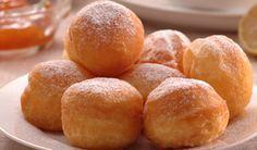 Šišky môžete zlepšiť...  ... jahodovou bielkovou penou    Potrebujeme : 1 bielok   130 g jemného krupicového cukru  2 až 3 ČL hustého jahodového lekváru    Postup:   Z bielka vyšľaháme tuhý sneh. Postupne pridávame cukor a znova vyšľaháme. Do tuhého snehu pridáme jahodový lekvár a sneh prešľaháme.