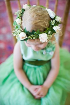 These flowers are a little bigger than I was thinking of for my Flower Girl's headpiece, but this is just so sweet! Flower Girls, Green Flower Girl Dresses, Flower Girl Photos, Green Dress, Daffodil Wedding, Flower Crown Wedding, Flower Girl Headpiece, Hair Garland, Emerald Green Weddings