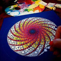 Image may contain: 1 person Mandalas Painting, Mandalas Drawing, Dot Painting, Stone Painting, Mandala Dots, Mandala Design, Family Art Projects, Mandala Painted Rocks, Ceramic Texture