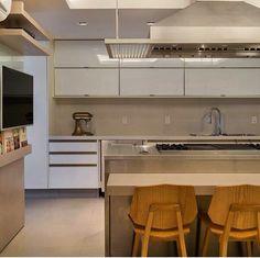 Cozinha madeira branco inox