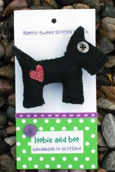 Harris Tweed Scottie Brooch  Free Shipping by LoobieandBoo on Etsy, £12.50
