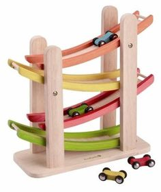 Everearth Ramp Racer - your child will love it as the cars make their way down the ramp!