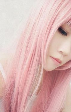 pastel pink, pale skin if i had the balls to do this. pastel pink, pale skin if i had the balls to Pink Wig, Hair Color Pink, Purple Hair, Hair Colors, Colours, Pastell Pink Hair, Light Pink Hair, Pastel Pink, Hair Lights