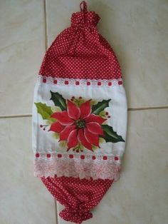 Christmas Art, Christmas Projects, Xmas Crafts, Diy And Crafts, Plastic Bag Crochet, Sewing Crafts, Sewing Projects, Clothespin Bag, Burlap Garland