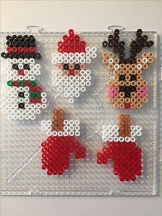 Christmas bead search results – Bügelperlen – Hama Beads Hama Beads Design, Diy Perler Beads, Perler Bead Art, Hama Perler, Pearler Bead Patterns, Perler Patterns, Quilt Patterns, Christmas Perler Beads, Peler Beads