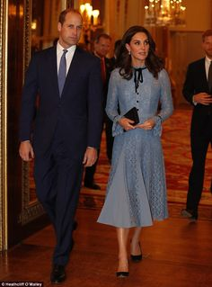 The Duchess of Cambridge tonightmade her first public appearance since announcing her pregnancy. Blue lace dress. Oct 2017
