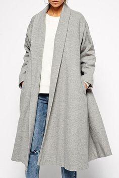 Oversized A-line light grey shawl collar fall coat.
