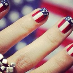 Feeling patriotic? Why not try an American flag manicure? Happy Fourth of July!