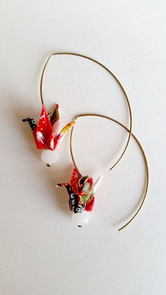 """Boucles d& origami papier washi grues """"Les tites niponnes"""" : Boucles. Origami Jewelry, Quilling Jewelry, Paper Jewelry, Paper Beads, Jewelry Shop, Diy Jewelry, Jewelry Gifts, Handmade Jewelry, Jewelry Making"""