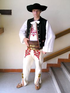 Traditional folk clothing worn in Liptovské Sliače. Liptovské Sliače is a village and municipality in Ružomberok District in the Žilina Region of northern Slovakia. Bratislava, European Costumes, Costumes Around The World, Folk Clothing, Folk Costume, People Of The World, World Cultures, Ethnic Fashion, Traditional Dresses