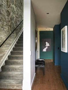 THE RELAXED GLAMOUR I HERNE BAY - Lou Brown Textured Wallpaper, Stairs, Blown Glass Pendant Light, Custom Displays, Luxury, Beveled Glass, Hand Blown Glass, Blown Glass Pendant, Home Decor