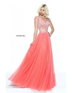Sherri Hill has a range of beautiful prom dresses to fit your style, body type & fashion sense. Check out selection and find the prom dress of your dreams! Sherri Hill Prom Dresses, Prom Dresses 2017, Pageant Dresses, Bridesmaid Dresses, Pink Dresses, Floral Dresses, Buy Dress, Lace Dress, Slit Dress