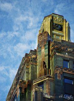 Carbon & Carbide Building, Morning Sun