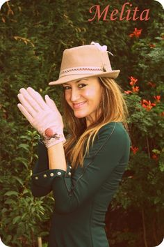 ..HAT AND GLOVES.. BY I LOVE MELITA