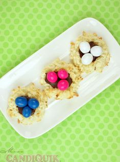 Coconut Macaroon Easter Egg Nests. Super Easy & cute