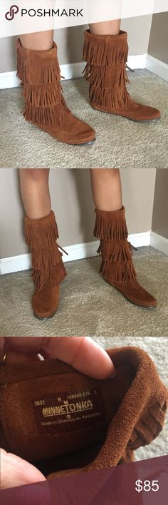 NWOT Minnetonka suede fringe boot NWOT Minnetonka three tier suede boots, EXTRA CUTE😍 Reasonable offers are welcome. Minnetonka Shoes Lace Up Boots