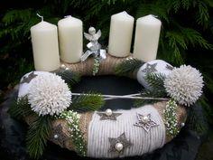ADVENTSKRANZ 40cm Wolle Sterne Erika Allium creme-grün-silber Shabby Christmas Advent Wreath, Christmas Decorations, Table Decorations, Ikebana, Pillar Candles, Centerpieces, Shabby, Diy Crafts, Wreaths