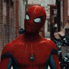 Marvel Dc Comics, Marvel Avengers, Best Marvel Characters, Tom Holland Peter Parker, Man Icon, Marvel Photo, Man Thing Marvel, Red Aesthetic, Marvel Cinematic Universe