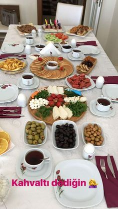Breakfast Presentation, Food Presentation, Iftar, Afghanistan Food, Party Food Buffet, Sleepover Food, Turkish Breakfast, Snap Food, Food Decoration