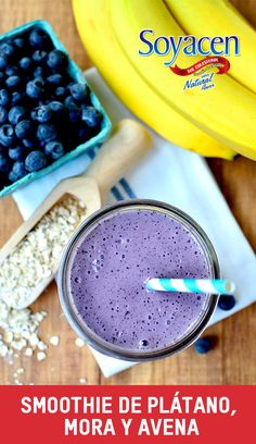Smoothie de Platano, Avena y Mora /Banana, blueberry and oat smoothie
