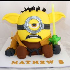 Someone mentioned recently that they preferred the angry birds yoda cake to the minions crossover one. So, here for your displeasure is yet another horrific Yoda minion cake!