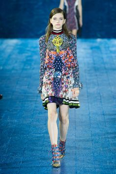 I'm kind of obsessed with this dress - MARY KATRANTZOU // London Fashion Week Spring 2016  - ELLE.com
