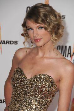 Taylor Swift - CMA Awards 2009