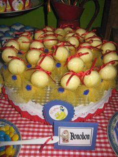 Snow white Theme: Snow white pops