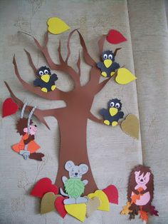 Őszi kézművesek!! - 104909267575230205944 - Picasa Webalbumok Fall Arts And Crafts, Autumn Crafts, Fall Crafts For Kids, Autumn Art, Projects For Kids, Diy For Kids, Diy And Crafts, Paper Crafts, Fall Classroom Decorations