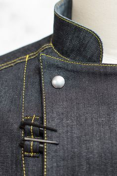 This beautiful coat is made of lightweight stretch denim. We asked and listened, and have designed a coat specifically for the working chef. Fashion Images, Fashion Details, Work Fashion, Chef Dress, Waiter Uniform, Hotel Uniform, Restaurant Uniforms, Kurta Men, Corporate Wear