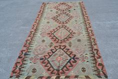 Welcome to my shop Turkish Rug House Size: 140x297 cm, Material: Wool, Cotton Age:50 years or more Origin: Anatolia Shipping: Free Shipping worldwide Delivery Time: 2-3 days worldwide All of my rugs are rare and very unique organic vintage rug, All of them vegetable and natural dyed, These