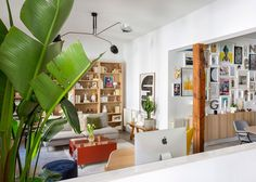 〚 Kingdom of colors: bright apartment in Madrid (75 sqm) 〛 ◾ Photos ◾ Ideas ◾ Design #home #library #interiordesign #Homedecor #interior #decor #ideas #inspiration #tips #cozy #living #style #space Bright Apartment, Madrid, Interior Design, Wood, Inspiration, Furniture, Cozy Living, Home Decor, Spain