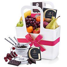 Chocoladefondue is het ultieme dessert om een romantische avond mee af te sluiten.