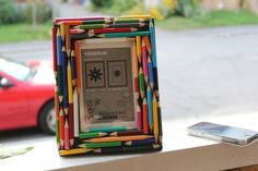 DIY Colored Pencil Photo Frame via Hilary Makes Summer Arts And Crafts, Arts And Crafts Projects, Diy Photo Frame Cardboard, Pencil Photo, Color Pencil Art, Environmental Art, Recycled Art, Art Classroom, Art Club