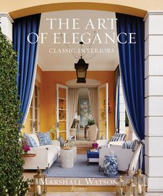 Marshall Watson's first book reveals how to make traditional interiors fresh. Known for his meticulously researched, European-inspired style, Marshall Watson Traditional Interior, Classic Interior, Traditional House, Spring Home Decor, Autumn Home, Coffee Table Books, House Tours, Bunt, Family Room