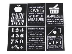 Hang deze papieren kaarten met quote of patroon aan de muur. Bijvoorbeeld met masking tape, of aan een kralenketting met knijpers.  #WOONDOCK #kaarten #woonkaarten #zwart #wit