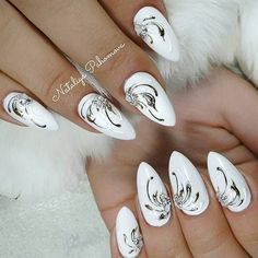 With white nail designs, you will have a posh and classy look. These luxurious nail art ideas are always in fashion. Find the ideal design here. Long Nail Designs, Ombre Nail Designs, Winter Nail Designs, Halloween Nail Designs, Beautiful Nail Designs, Nail Art Designs, Halloween Nails, Burgundy Nails, Blue Nails