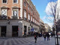 Escher en Madrid - El Palacio de Gaviria desde la calle Arenal.