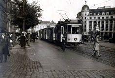 La Universitate in prima jumatate a anilor Paris, Bucharest Romania, Old City, Street View, Memories, Country, Barbershop, Cities, Pictures