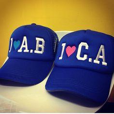 Vendemos gorras bordadas publicitarias y personalizadas. Envío a todo  Colombia. Más info visita nuestra página o escríbenos por whatsapp al  3106138396. b6fab5c4066