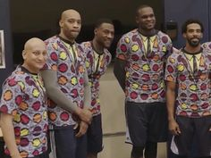 Breaking News How do you salute Craig Sager? GET UGLY, BABY! The Memphis Grizzlies did just that -- sporting a bunch of disgustingly awesome Sager-inspired shirts Friday to pay tribute to the legendary courtside reporter . Ugly Suits, Sports Personality, Memphis Grizzlies, Nba Players, The World's Greatest, Rainy Days, Being Ugly, Athlete, Basketball