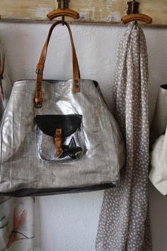 Creative Bag, Boho Bags, Couture Sewing, Denim Bag, Day Bag, Cute Bags, Beautiful Bags, Bag Making, Purses And Handbags