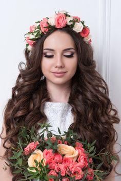 Além do vestido, cabelo e sapato, a make de noiva é muito importante no casamento! Confira as top 10 perguntas sobre make de noivas que vão ajudar na escolha ideal